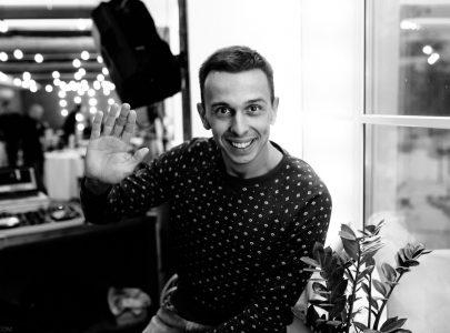 DJ Саша Стил, звукорежиссер. Жизнерадостный и общительный молодой человек